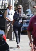 Миша Бартон, фото 10534. Mischa Barton - shopping and at a car wash in California 02/23/12, foto 10534